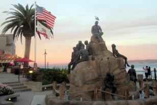 the-cannery-row-monument