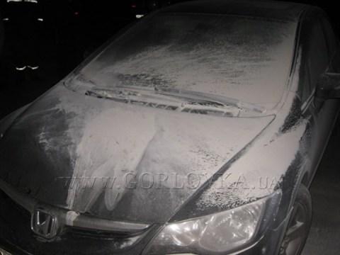 На стоянке возле исполкома неизвестные пытались спалить автомобиль заместителя мэра Горловки Вадима Исакова (ФОТО)