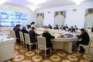 Евгений Куйвашев поставил задачи по усилению контроля за соблюдением масочного режима и правил для прибывших из-за рубежа