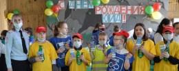 Сотрудники Госавтоинспекции в Тюменской области поздравили юных инспекторов движения с днем образования отрядов ЮИД