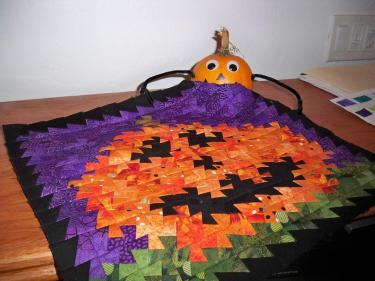 Country Schoolhouse CS Twister Ruler Itty Bitty Primitive Pinwheel Tool Fabric Quilt Quilts fabric Halloween pumpkin Fall Autumn Jack-o-Lantern