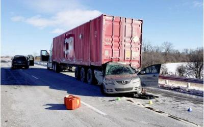 Hwy 401 Rear-End Impact of Tractor-Trailer West of Chatham