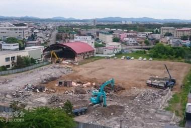 体育館が解体開始