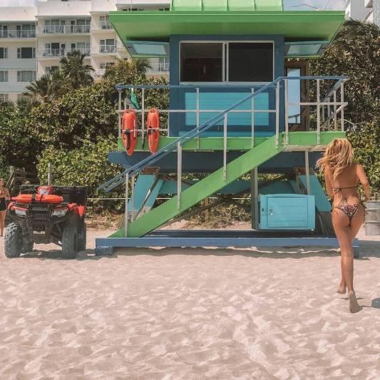 Η Κωνσταντίνα Σπυροπούλου ρίχνει το Instagram με το brazililian  μαγιο της!  (εικόνα)