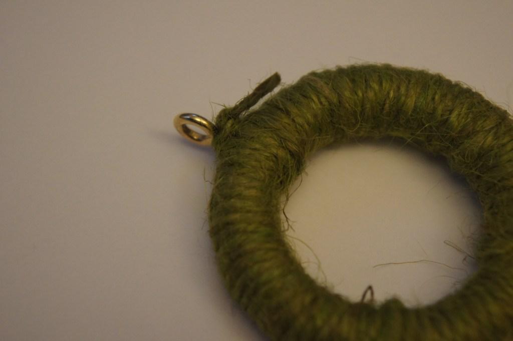 mini wreath knot