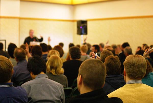 目ざめたエホバの証人へのアドバイス④ |教会へ通う