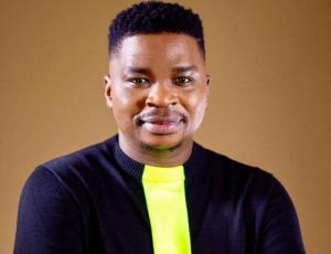 DOWNLOAD MP3: Dr Tumi – Udumo (Praise)