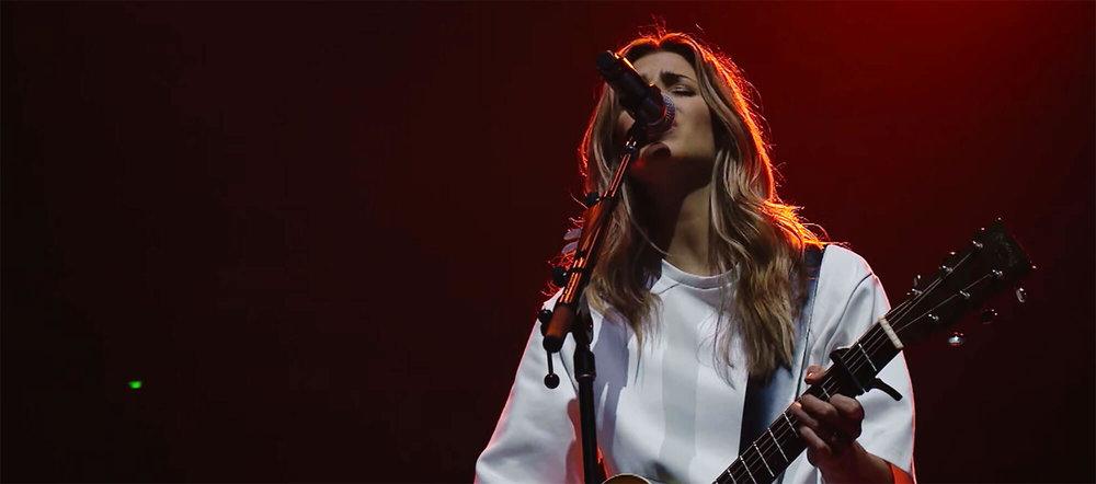 HILLSONG WORSHIP – WHAT A BEAUTIFUL NAME – Gospel Music Tour