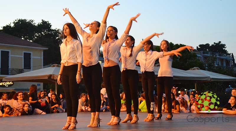 """Εντυπωσίασε η σχολή χορού ''Pa Bailar"""" στις εκδηλώσεις της Παγκόσμιας Ημέρας Χορού"""