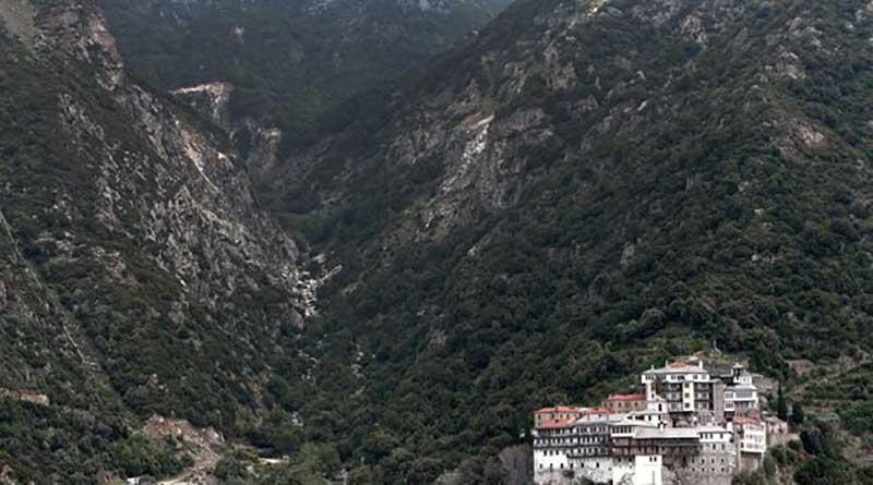 Νεκρός 62χρονος που έπεσε σε χαράδρα στο Άγιο Όρος