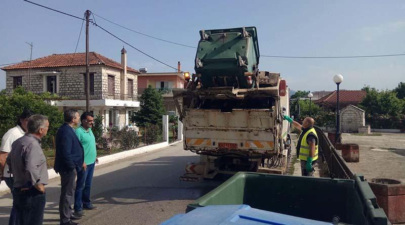 Συνεχίζεται εντατικά εν όψει και καλοκαιριού το πλύσιμο όλων των κάδων στο Δήμο Αρταίων