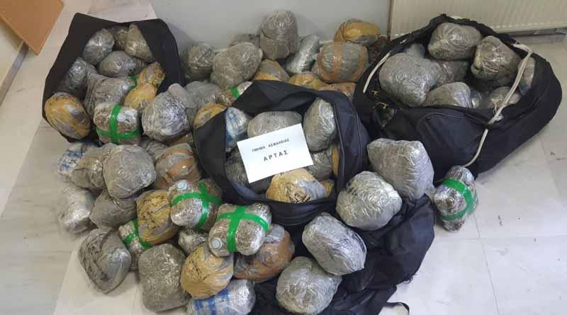 Πάνω από 102 κιλά ακατέργαστης κάνναβης εντοπίστηκαν και κατασχέθηκαν μέσα σε Ι.Χ.Ε. αυτοκίνητο στην περιοχή του Κομποτίου Άρτας