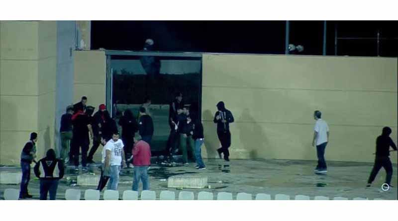 Επεισόδια στην Πάτρα: Οπαδοί του Ολυμπιακού με την Αστυνομία