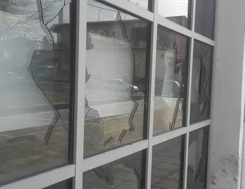 Ιωάννινα: Βανδαλισμός στο κτίριο της Πολεοδομίας