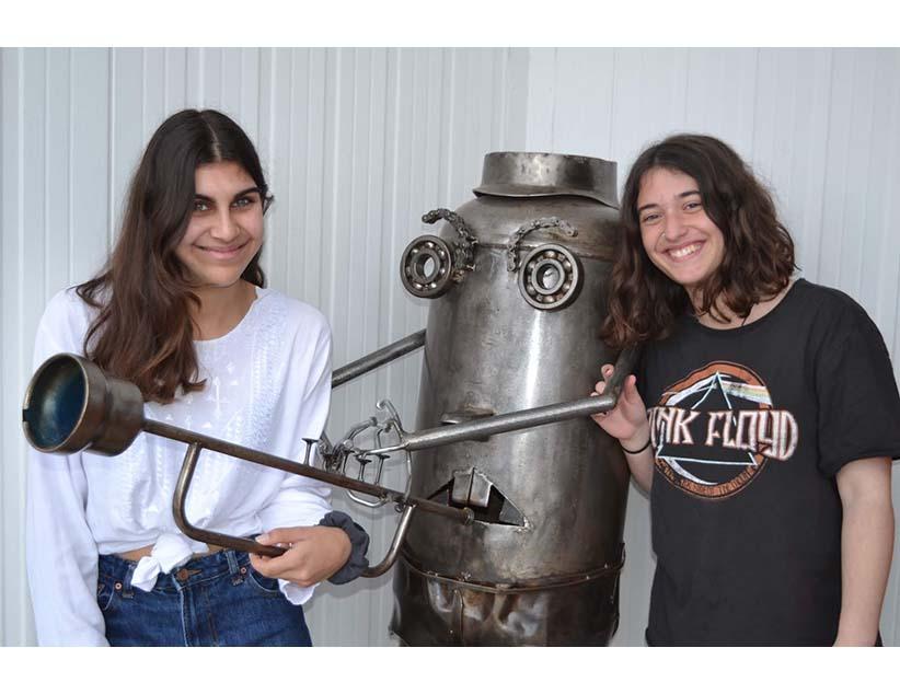 Δύο μαθήτριες του Μουσικού Σχολείου Πρέβεζας με υποτροφία σε δύο κολέγια UWC