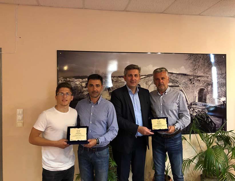 Ο Δήμος Αρταίων βράβευσε τον μαθητή-πρωταθλητή Ντίνο Μιλιο