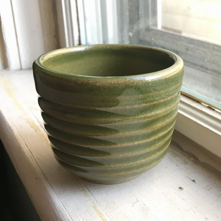 Grooved tea cup (light green, oxidation) *n/a