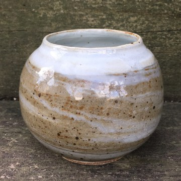 Spherical tea/maté bowl (marbled clay with clear glaze and white rim)