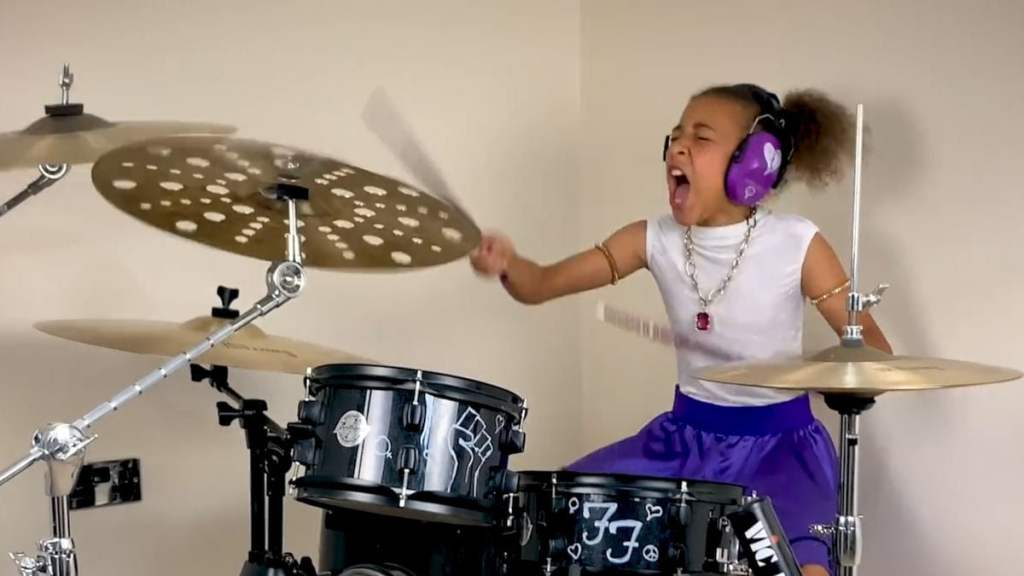 Dave Grohl Accepts 10-Year-Old's Drumming Challenge, Kicks It Back to Her