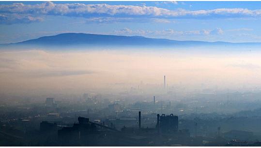 Скопјанка со идеја како да се прочисти воздухот во Скопје – да се иселат провинцијалците