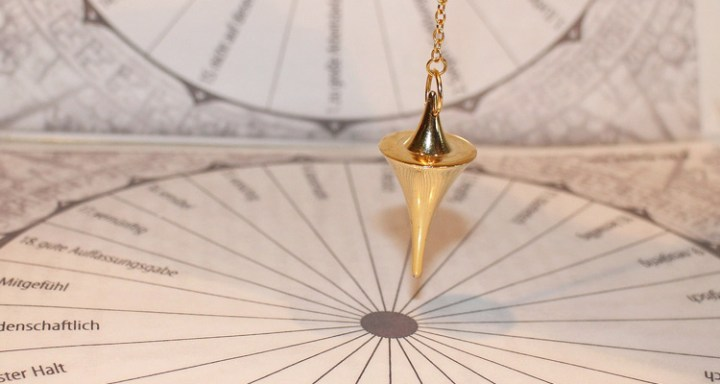 6-tools-to-help-improve-your-psychic-abilities-pendulum