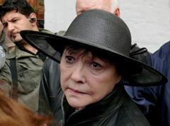 Белла на похоронах Андрея Вознесенского