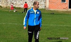 Ерџан Менга поднесе оставка од тренерската функција во ФК Гостивар