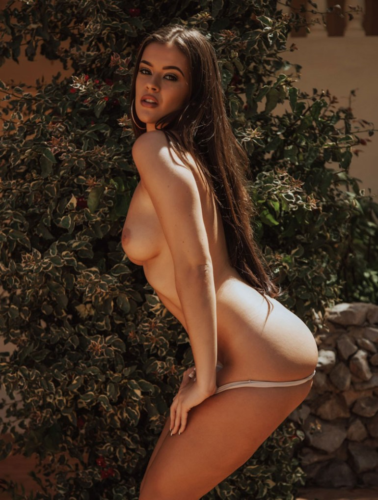 Foto de amadora pelada morena