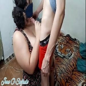 Marido filma a esposa metendo com amante novinho