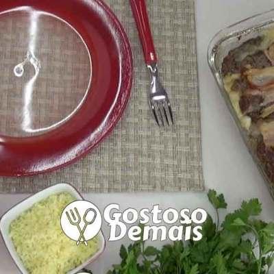 Bolo de Carne Moída com Batata Cremosa