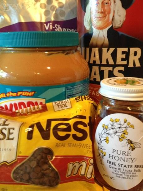 Easy No-Bake Oatmeal Peanut Butter Balls