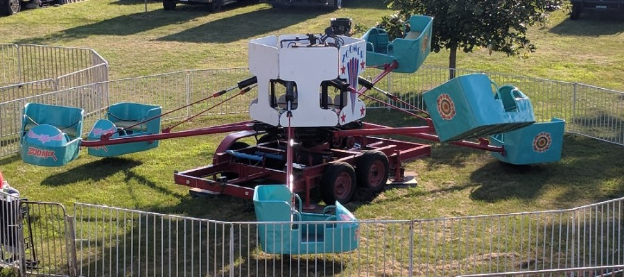 Zoomer_Iowa-Carnival-Rides-Games