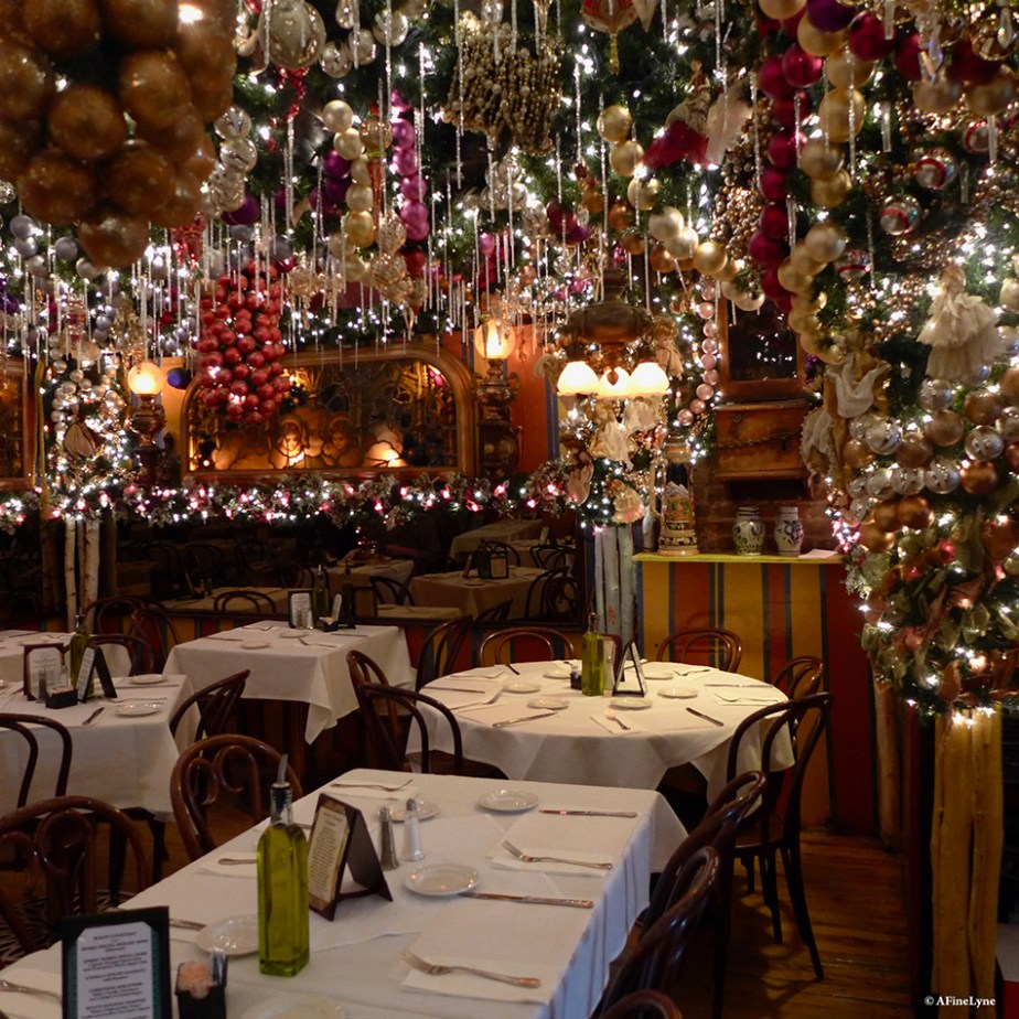 Rolfs Christmas Bar Nyc.Celebrating The Holidays With A Visit To Rolf S German