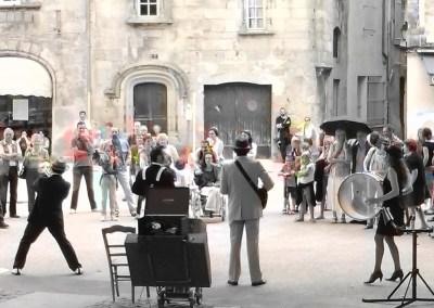 La Fanfare Sakazic pendant les Fanfaronnades d'Aubenas 2014 en Ardèche