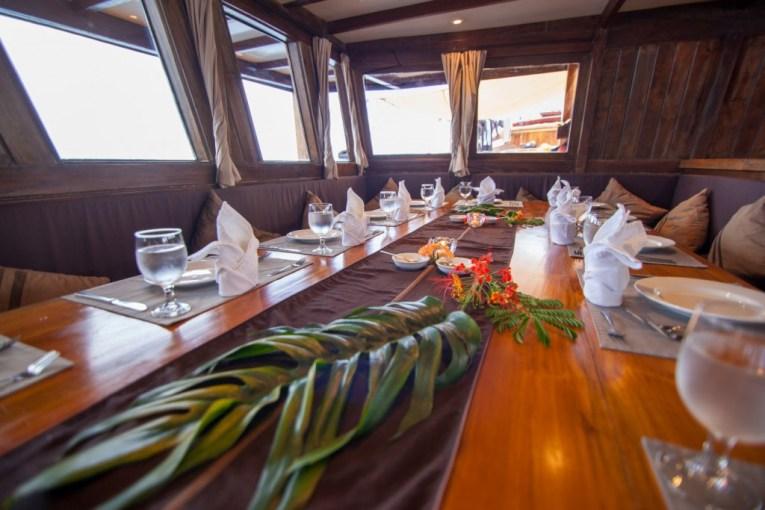 Dinner-table-on-D1-1024x683