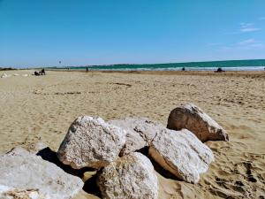 Lido de Venezia: Guide to Venice Beach Italy – with travel info + photos