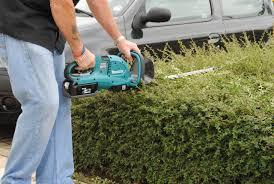 electric-hedge-cutter