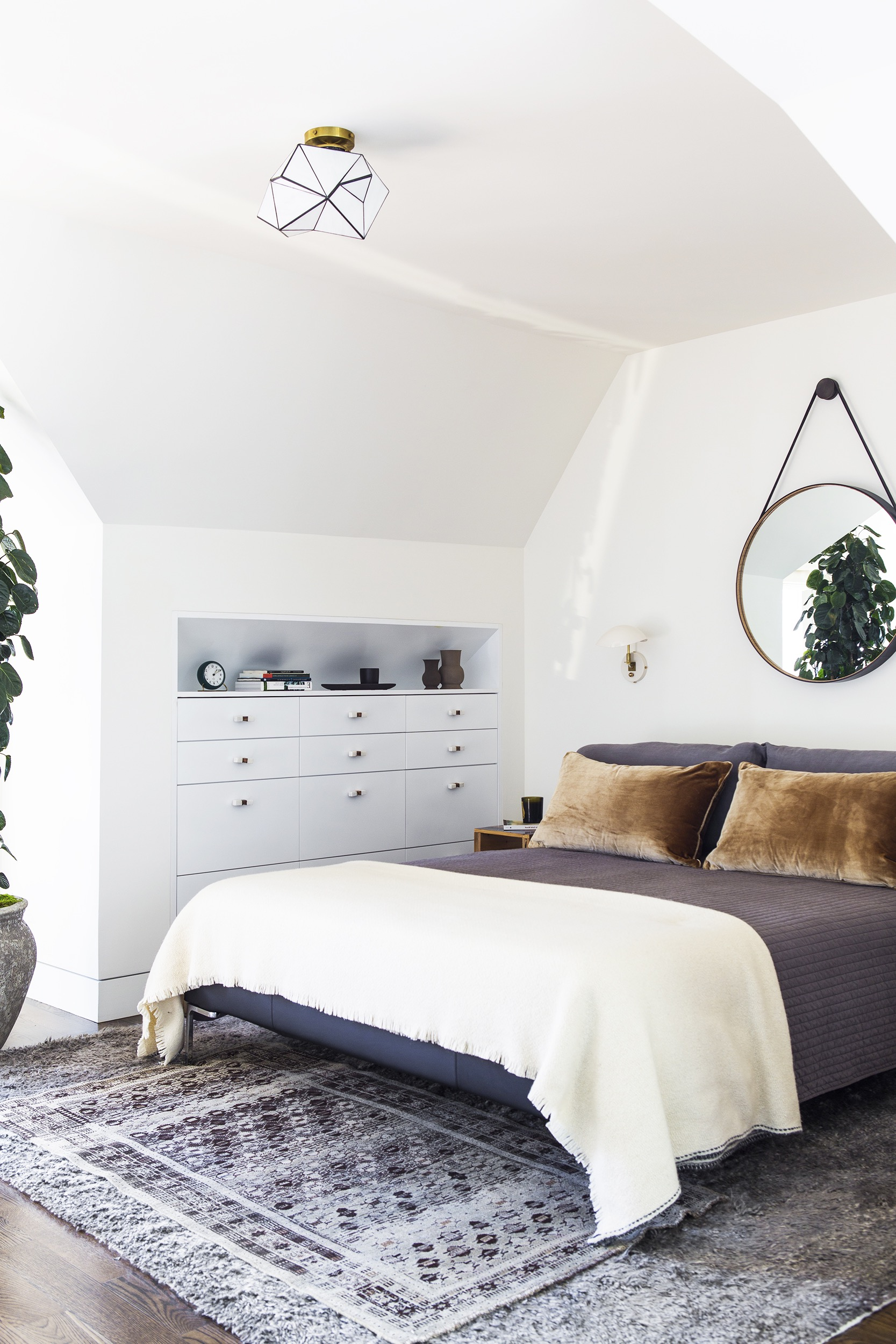 Bedroom 20 Bedroom Mirror Decor And Placement Ideas 17