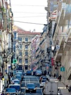 Visiter Lisbonne, la ville aux 7 collines - Rue à côté du Cais do Sodré