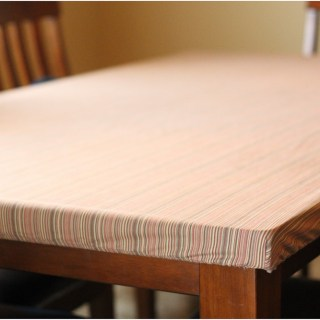 Stay-put table cloth DIY by Peek-a-Boo patterns. A fitted tablecloth, genius!!! - Sewtorial