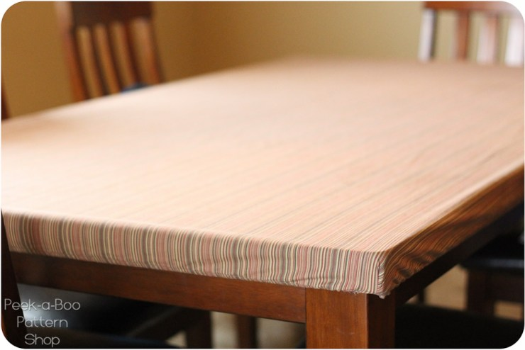 A stay-put tablecloth for your table by Peek-a-Boo Patterns. Genius! - Sewtorial