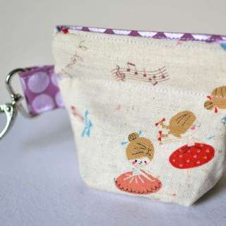 The Pleated Snappy Coin Purse by Sew Can She is a super cute DIY coin purse for little fashionistas. - Sewtorial