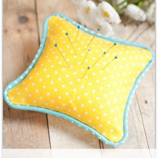 """Looking for a way to """"up"""" your sewing skills? Learn how to add piping to your projects with this easy piped pincushion tutorial by Sew M Cool. -Sewtorial"""