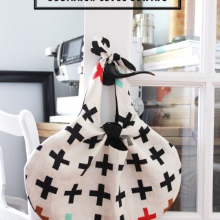 The Knot Tote by The Sewing Rabbit is a free beginner pattern that looks amazing. Sew a few up in your favorite fabric for yourself or as gifts. -Sewtorial
