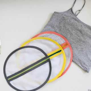 Want to protect those delicates in the washing machine? Try this tutorial for a mesh laundry bag by Haberdashery Fun. -Sewtorial