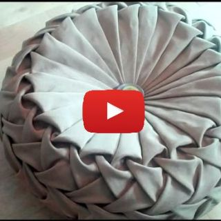 This beautifully intricate Canadian smocking round cushion by Debbie Shore is a great project for an intermediate sewer. -Sewtorial