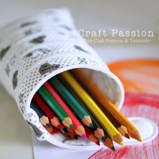 We love the unique design of this Zip-It-Up pencil case by Craft Passion that holds lots of pencils and lots of style. -Sewtorial