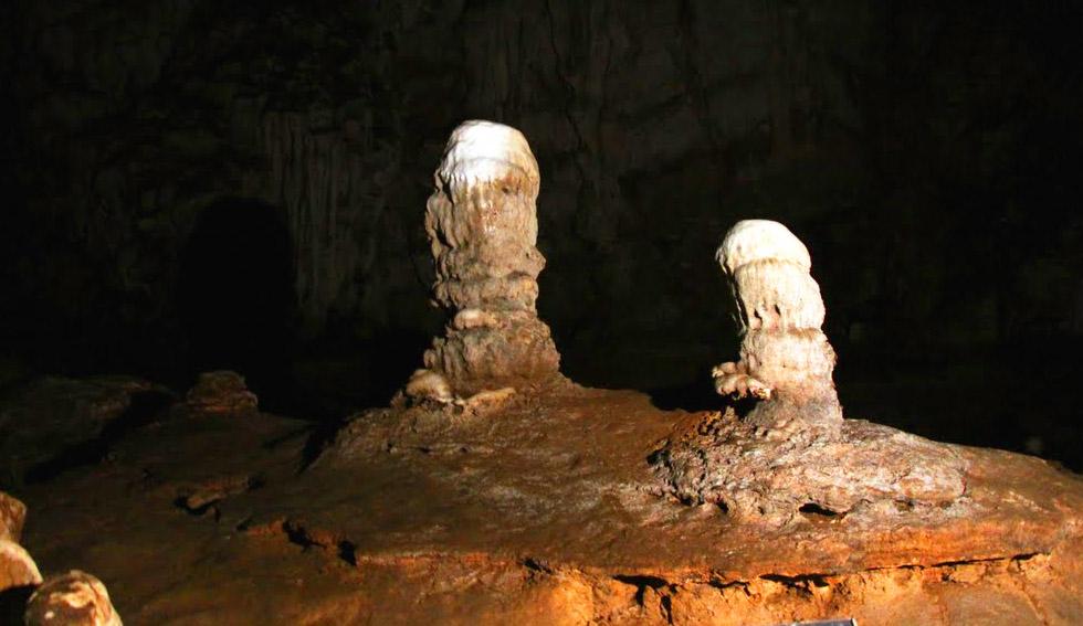 Doll Cave - Tham Lod Cave