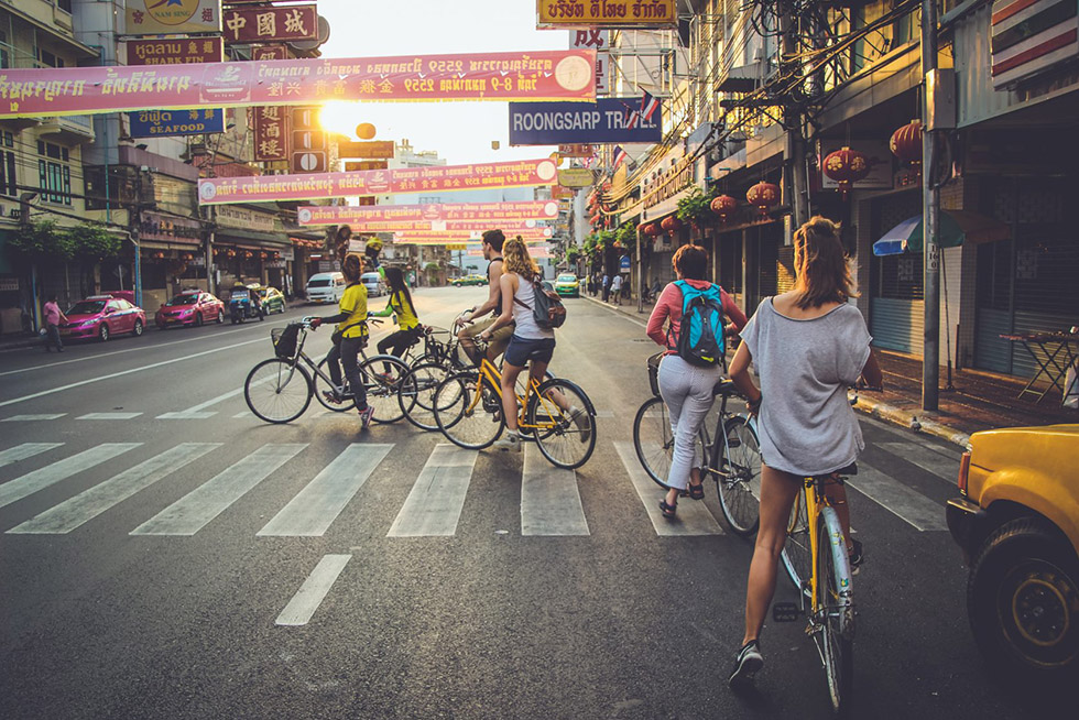 Cycyling the streets of Chinatown, Bangkok