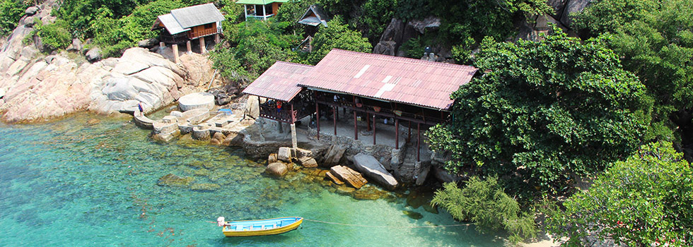 Island Hopping Thailand - Crystal Clear waters of Koh Tao